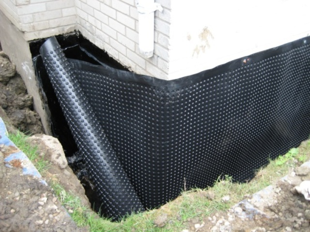 Membrane waterproofing-